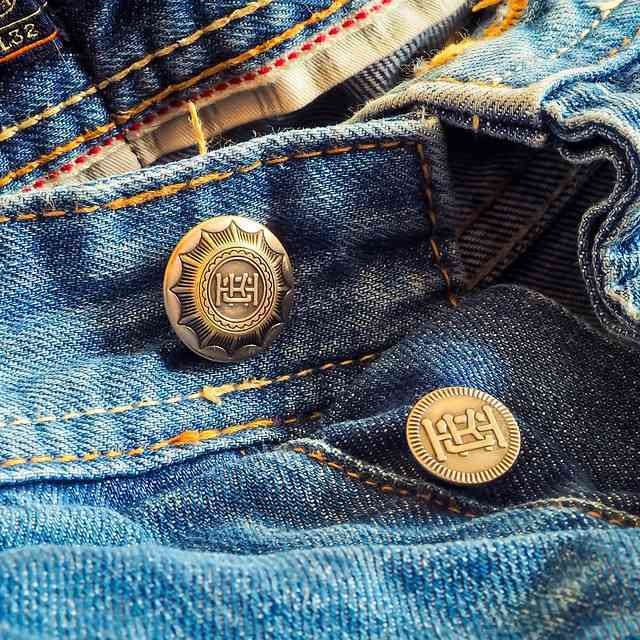 挑选优质的牛仔裤,首先了解牛仔布是怎么制成的